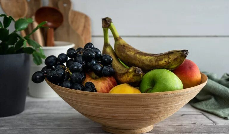 10 Ways to Get Rid of Fruit Flies in a Natural Way